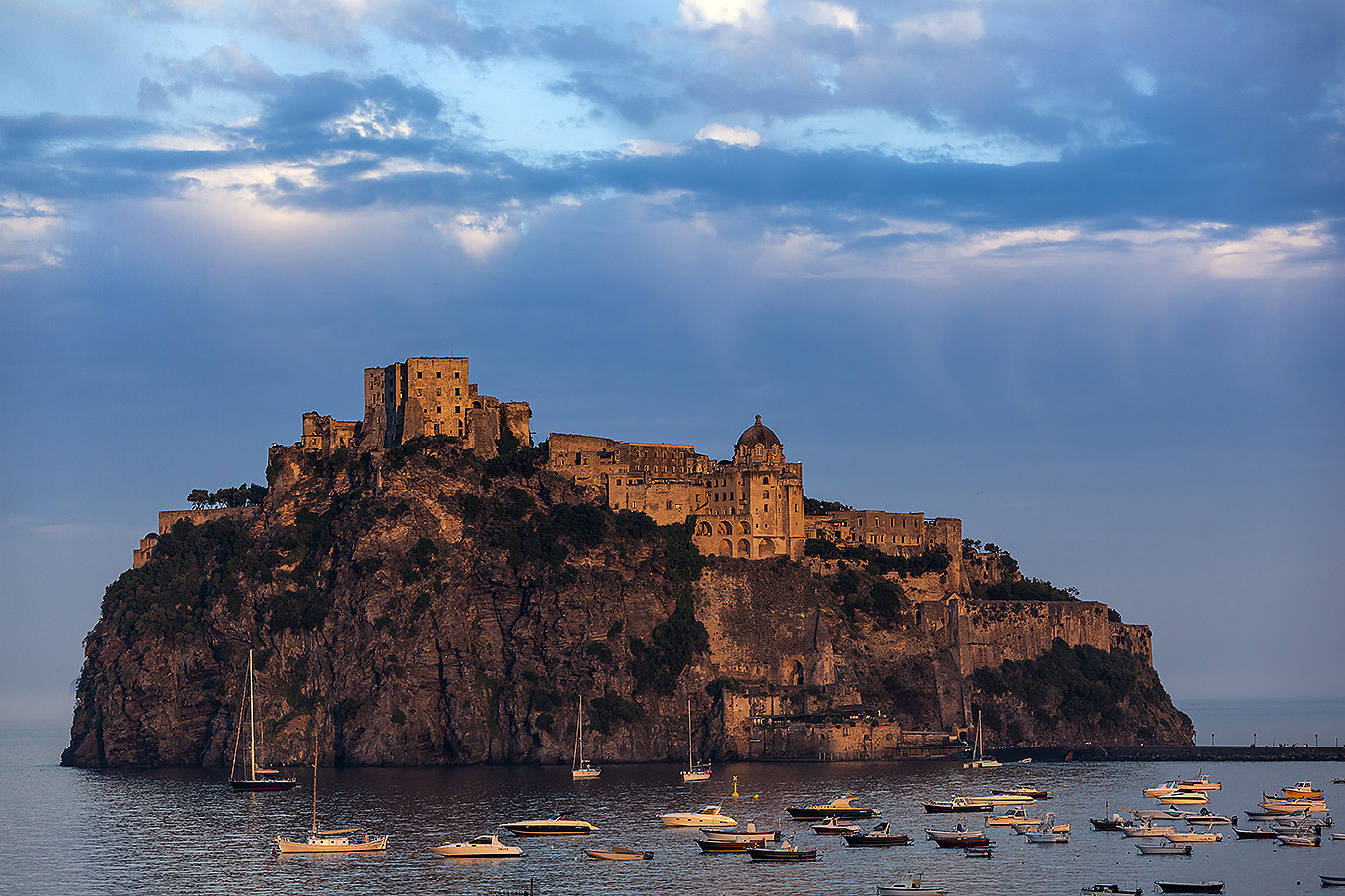 The secrets of the Aragonese Castle