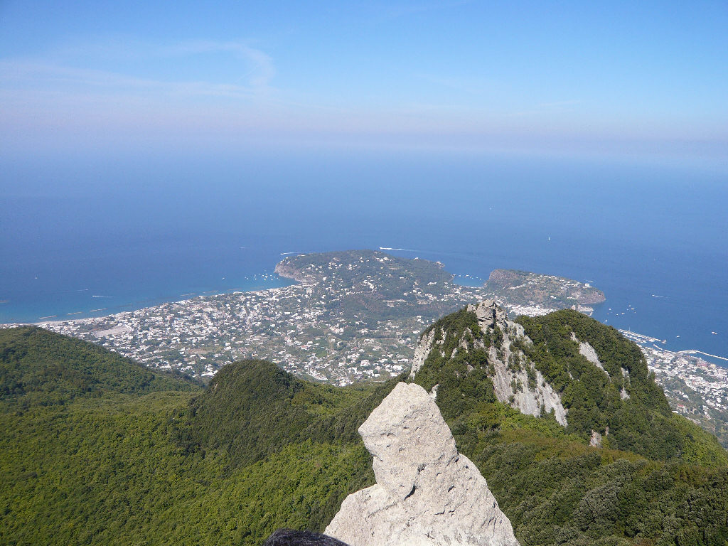 Trekking on Ischia: the paths around Mount Epomeo